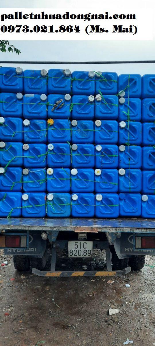 Chuyên cung cấp pallet nhựa cũ, can nhựa cũ số lượng lớn với giá hót nhất thị trường