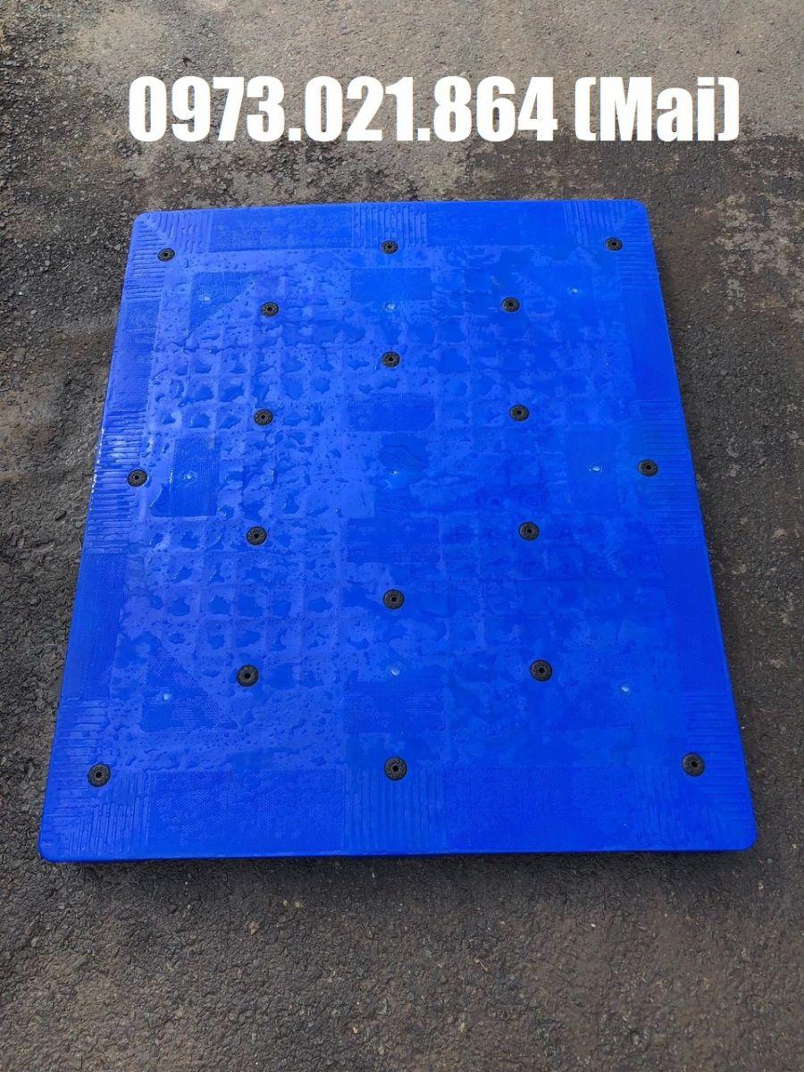 pallet nhựa dùng để lót sàn
