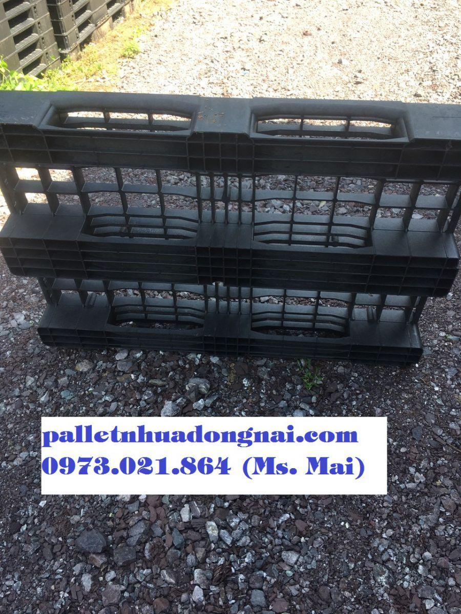 Pallet nhựa cũ kt 800x1200x150mm màu đen