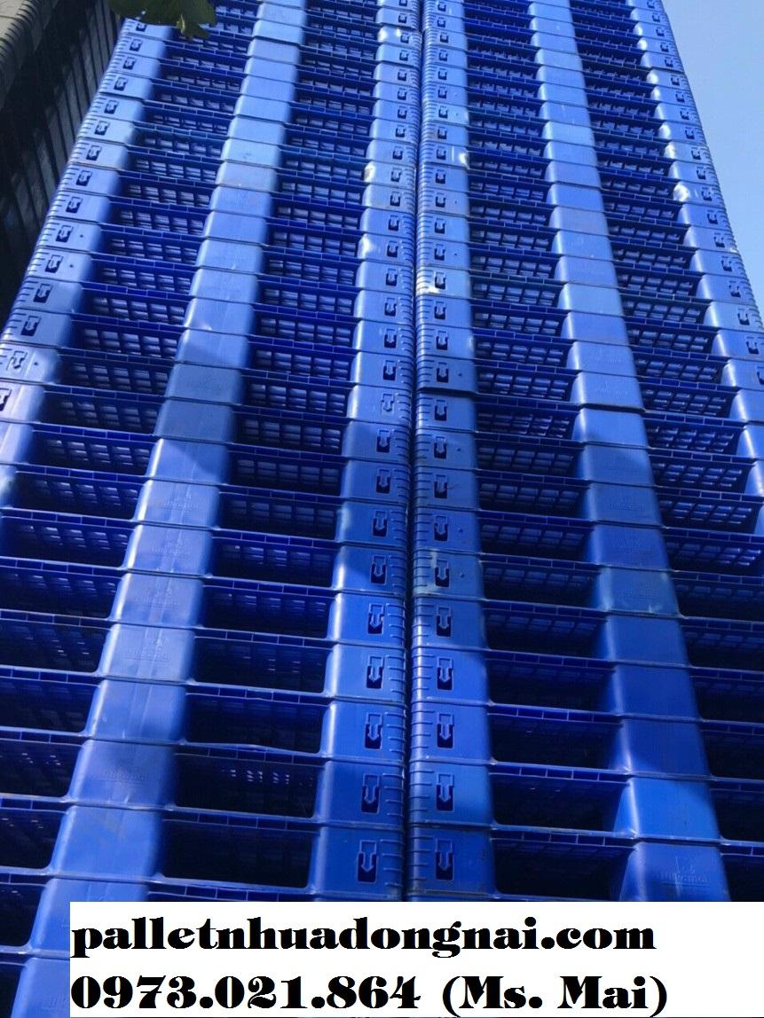 Pallet nhựa cũ kt 1005x1005x120mm màu xanh dương