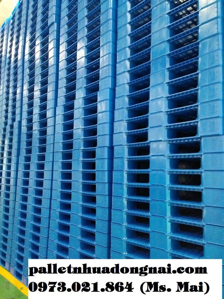 Pallet nhựa cũ Sài Gòn