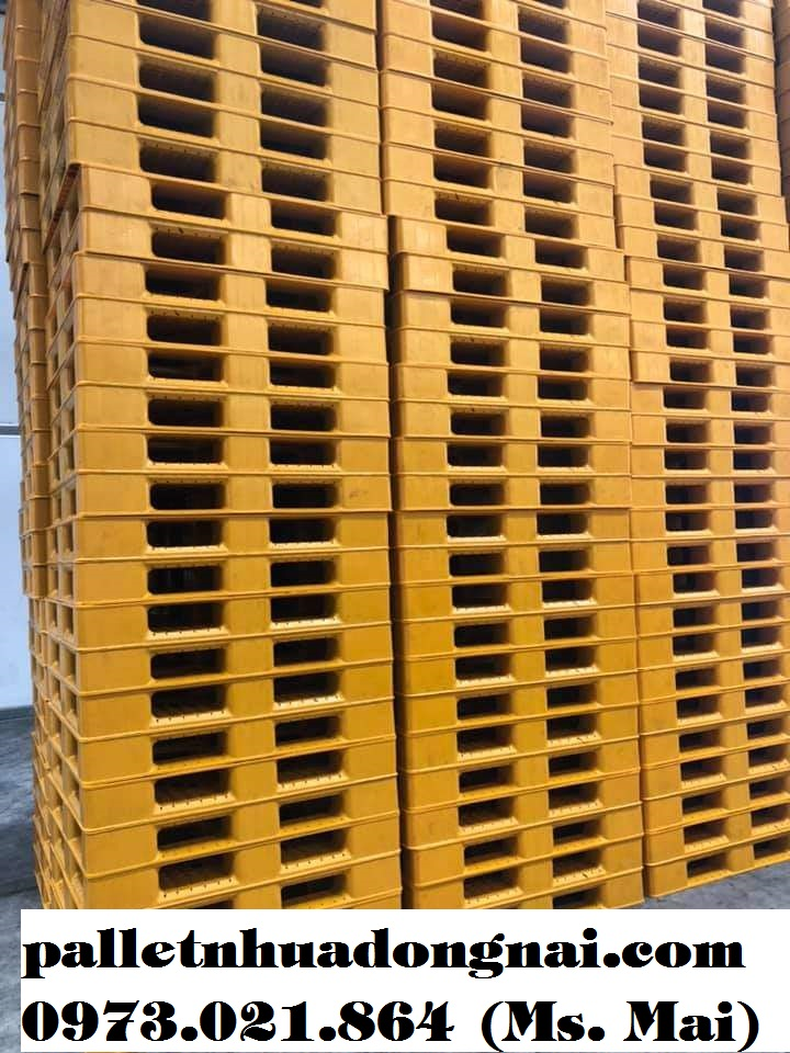 Pallet nhựa mới kt 1200x1000x150mm màu vàng