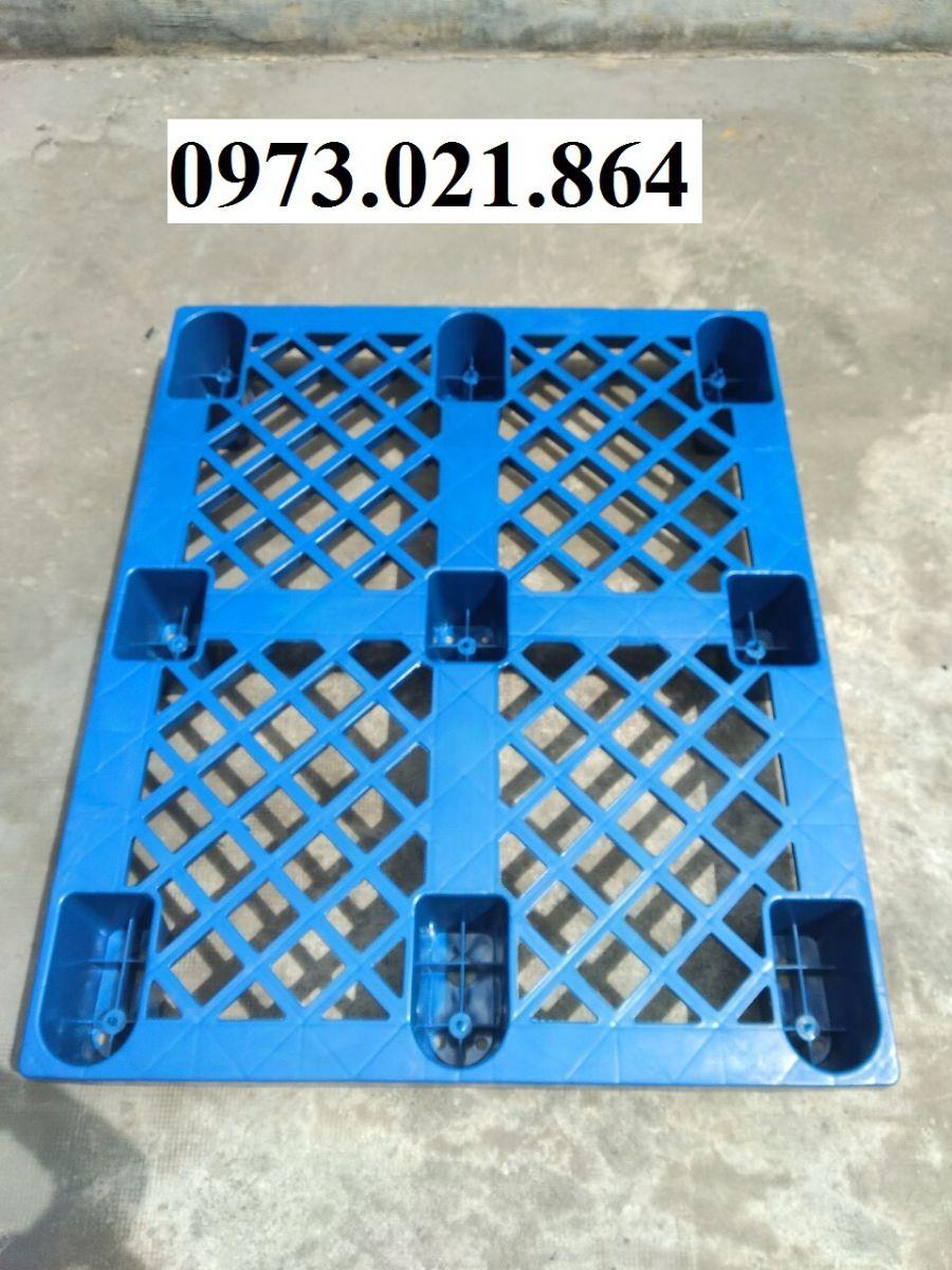 Pallet nhựa xanh cũ chất lượng mới từ 90% trở lên